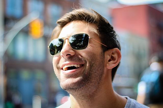 šťastný člověk