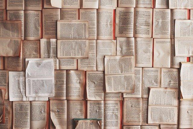 stránky knih
