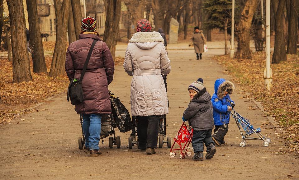 procházka s dětmi